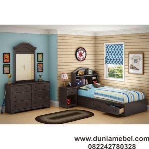 Tempat tidur set kembar