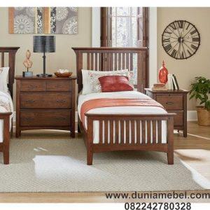 tempat tidur gaya tradisional