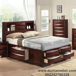 Tempat Tidur Klasik Model Baru
