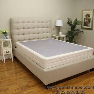 tempat Tidur Minimalis Meera
