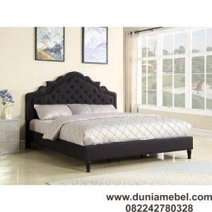 Tempat Tidur Klasik Pengantin